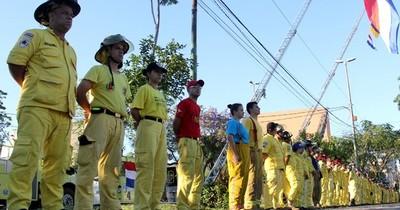 La Nación / Bomberos voluntarios realizan colecta para la ciudad de Puerto Elsa