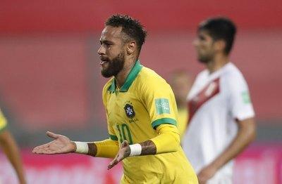 Neymar se luce con un triplete en el triunfo de Brasil ante Perú