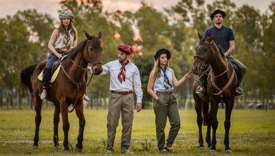 Outfits para el campo: un emprendimiento joven se suma para satisfacer la demanda de atuendos rurales