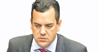 La Nación / Friedmann ahora pide rendición de gastos en la gobernación donde dejó millonarios clavos