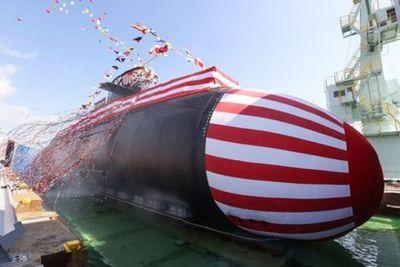 Japón presentó un nuevo submarino en medio de los conflictos marítimos con China
