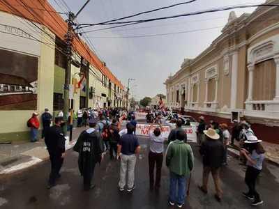 Campesinos vuelven a manifestarse rechazando refinanciación de deudas