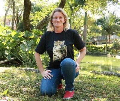 Bióloga paraguaya recibe premio internacional por sus trabajos en conservación de mamíferos