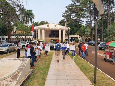 Manifestantes contra propuesta de multar a los que no usan tapaboca