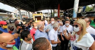 La Nación / Directora de Migraciones admitió el riesgo del paso libre con la reapertura del puente
