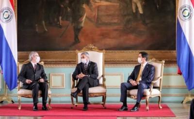 Nuevo Embajador de Italia presenta cartas credenciales a Mario Abdo