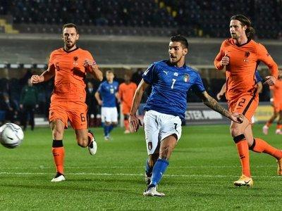 Italia y Holanda se anulan y hacen feliz a Polonia