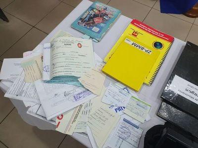 Llamativos documentos hallados en el hangar de Areguá