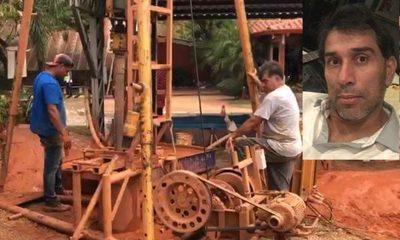 ¡Pipino Cuevas se reinventa y ahora fabrica pozos artesianos!