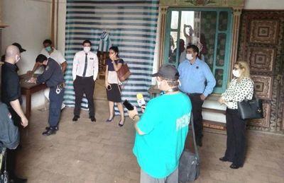 Intendente y obreros  casi llegan a  los golpes en el  templo de Yaguarón