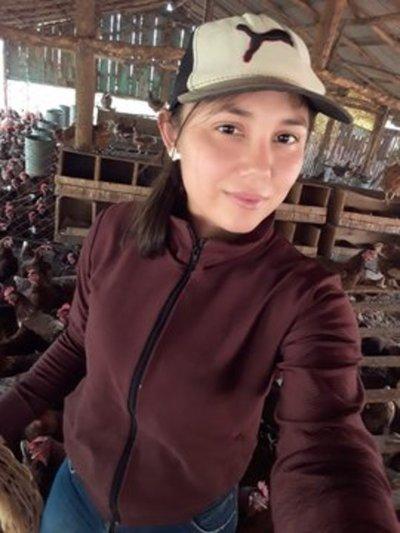 Blas Garay: Exitoso emprendimiento de cría de gallinas