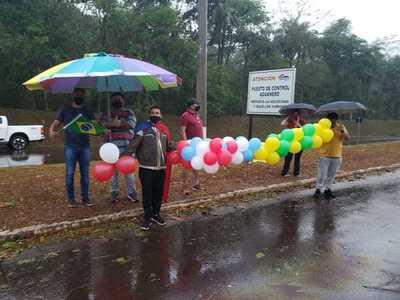 Comerciantes de Salto del Guairá celebran reapertura de fronteras