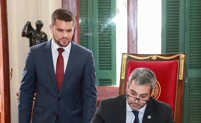 HOY / Hernán Huttemann, nuevo asesor jurídico de la Presidencia