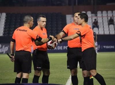 Los árbitros para la primera fecha del Clausura