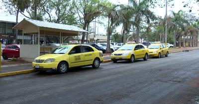 Taxis de Lambaré eliminan el recargo nocturno del 30%