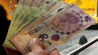 El salario mínimo argentino es el más bajo de la región, como consecuencia de la suba del dólar
