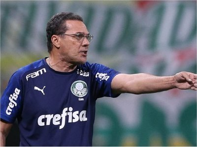 Palmeiras busca técnico