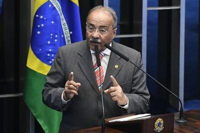 Senador brasileño escondió dinero entre sus nalgas durante requisa