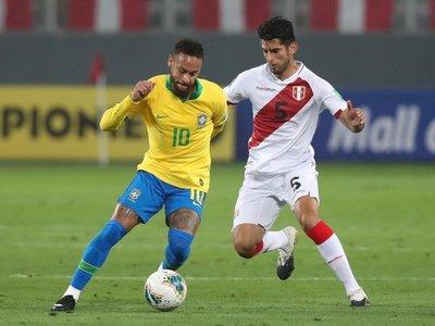 """Neymar """"es un payaso"""", dice el peruano Carlos Zambrano"""