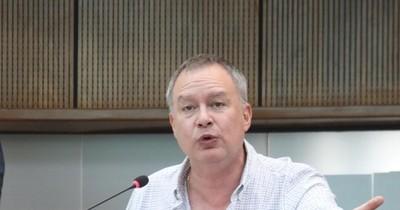 La Nación / Alegre y su gavilla deben salir del PLRA, sostiene Silva Facetti