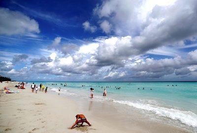 Cuba reabre fronteras y volverá a recibir turistas en su balneario más famoso