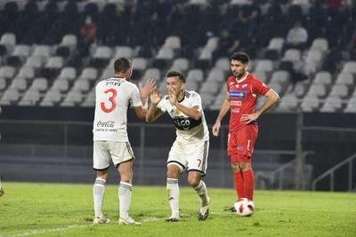 Dos partidos ponen en marcha la primera fecha del Torneo Clausura