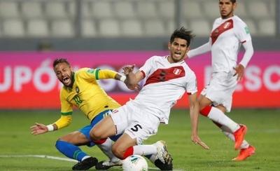 """HOY / Neymar """"es un payaso"""", afirma el peruano Carlos Zambrano"""