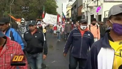 Campesinos obtienen acuerdo con Gobierno tras manifestaciones