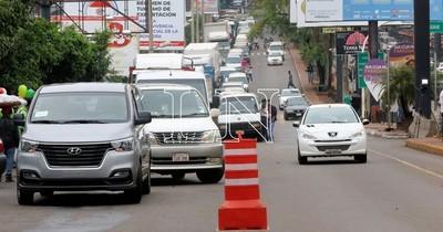 La Nación / Permitirán ingreso de paraguayos por el Puente de la Amistad las 24 horas