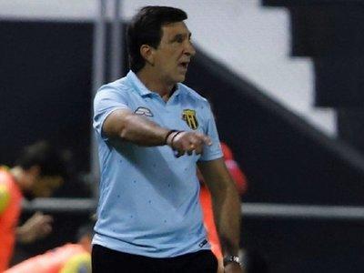 Costas buscará llenar el lugar de Iván Ramírez