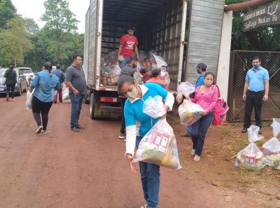 Entregan kits de alimentos a escuelas de Carayaó y Juan Manuel Frutos