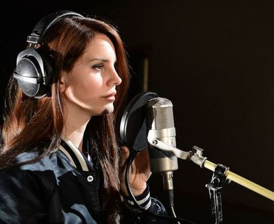 "Lana del Rey anticipa primer tema de disco ""Chemtrails Over The Country Club"""