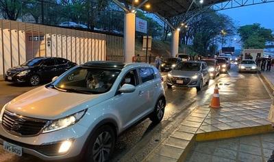 Permitirán ingreso de paraguayos las 24 horas desde el Brasil
