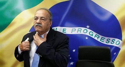 Bolsonaro destituye a un senador que trató de esconder dinero entre sus nalgas durante un allanamiento en su casa