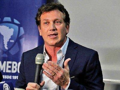 Leoz hacía millonarios depósitos sin llamar la atención de Seprelad, dice Domínguez