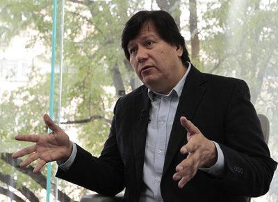 """El libro """"El saqueo corporativo"""" revela nexo entre poder y dinero en México"""