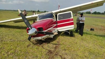 Ocupantes de avioneta accidentada se encuentran fuera de peligro