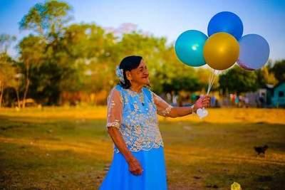 Cumplió 101 años y lo celebró con esta emotiva sesión de fotos