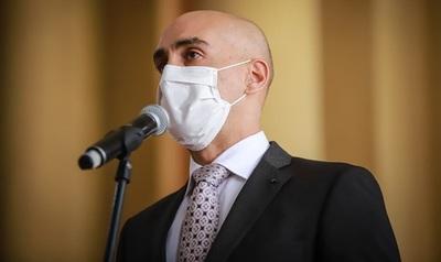 """Ministro pide """"cuidar más que nunca todo lo conseguido"""" en la lucha contra el COVID19"""