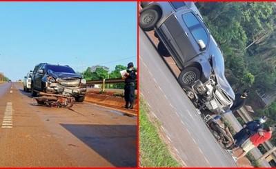 Motociclista muere tras ser embestido por una camioneta