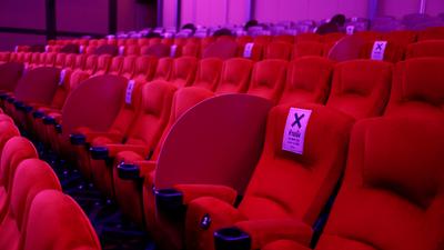 Reactivación en noviembre: Sector cine espera reabrir con al menos 150 personas en sala