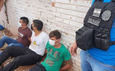 Capturan a 3 personas con carga de marihuana en Lambaré