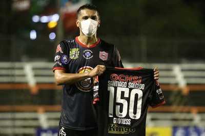 """¡Hombre récord! """"Sasá"""" le dio la victoria a San Lorenzo con su gol 150 en el fútbol paraguayo"""