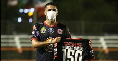 Santiago Salcedo marca su gol 150 en el debut con San Lorenzo