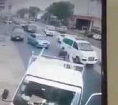 Un hombre persiguió y atrapó a asaltante de una embarazada