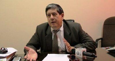 Wagner no está obligado a renunciar para ocupar la banca de Amarilla porque no es funcionario municipal, refieren