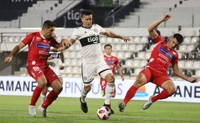 Olimpia comenzó el Clausura recibiendo a Nacional en Para Uno. El duelo acabó empatado a un tanto.