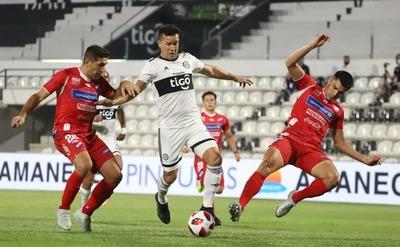 Olimpia y Nacional empataron 1-1 en el estreno
