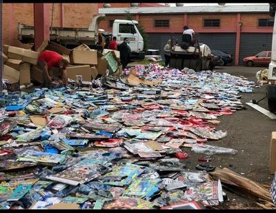 Destruyen miles de juguetes falsificados
