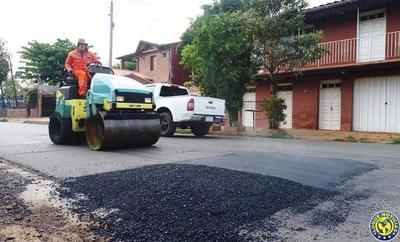 Tras críticas, Municipio bachea calles luqueñas •